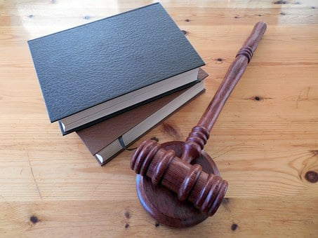 Quel est le rôle d'un avocat en droit du travail ?